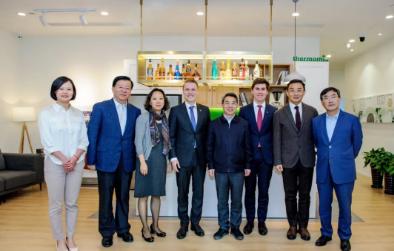 上海市政协领导莅临福维克中国总部考察调研