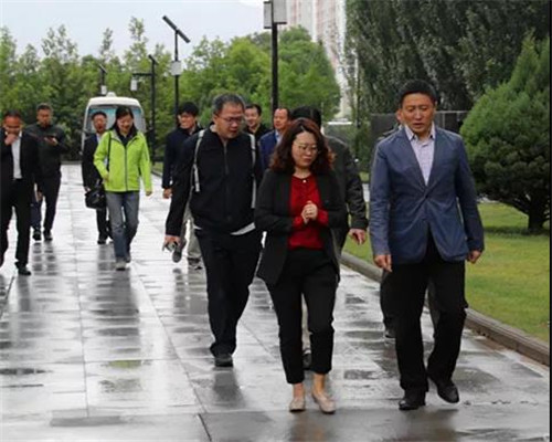科技部生物技术发展中心于善江处长一行莅临金诃藏药调研