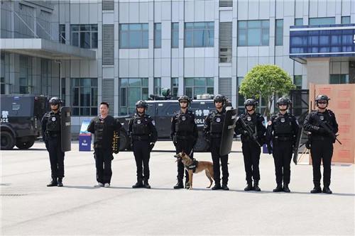 长沙市公安局特邀形象监督员绿之韵胡均安受邀赴市特巡警支队调研